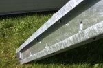 Pozinkovaná bočnica podesty MARBLE 1 m - pravá